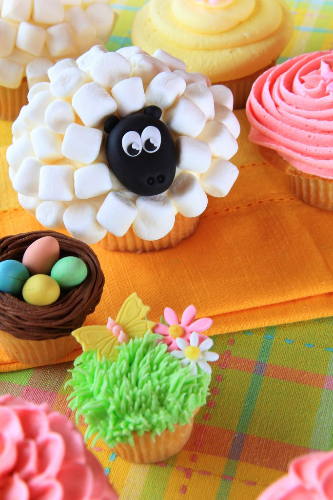 chickaDEE Magazine: Springtime Cupcakes