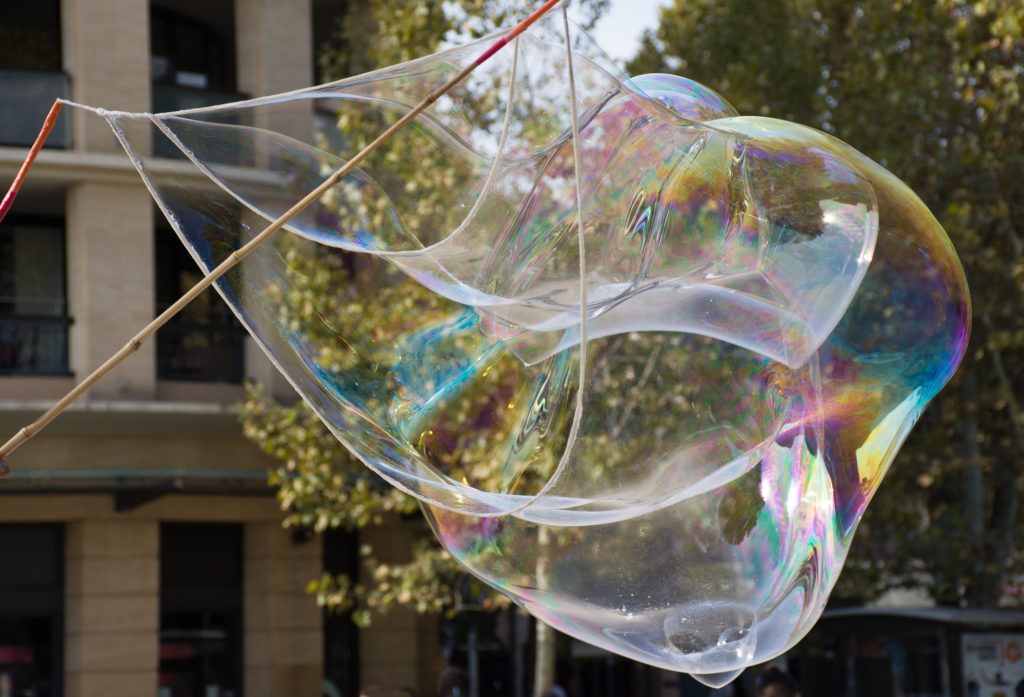 Make Gigantic Bubbles Outside